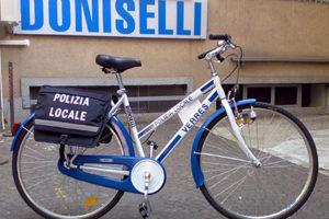 137-01-Doniselli-Unisex-Polizia-Locale