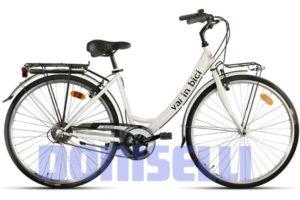Doniselli va in bici